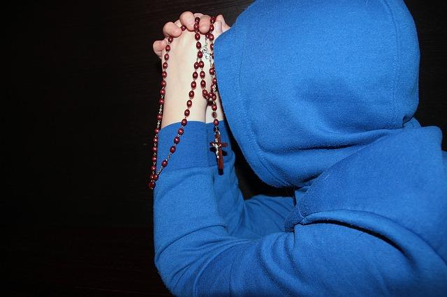 rosary-1212869_640.jpg